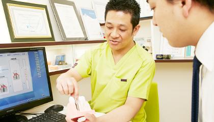 前歯や奥歯だけ部分的(1本~3本)にインプラントを検討中の方へ